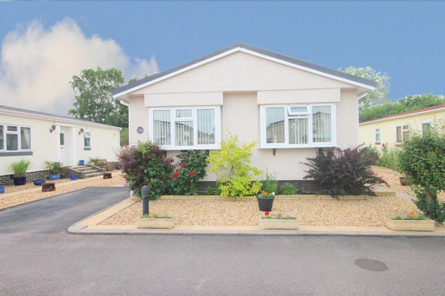 2 bed mobile/park home for sale in Amington Park, Amington, Tamworth