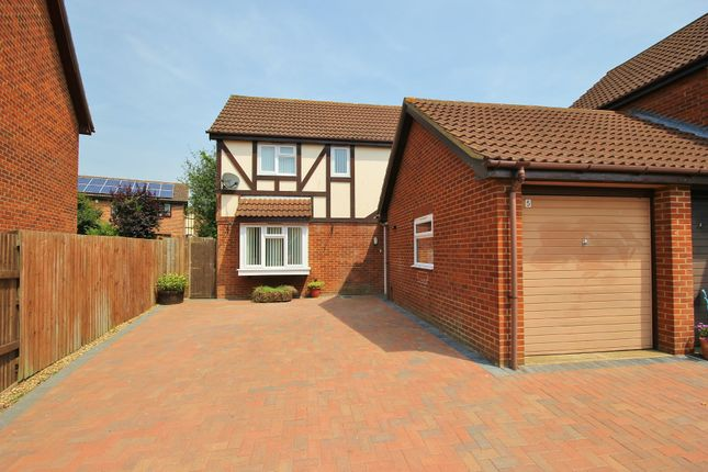 Thumbnail Detached house for sale in Kestrel Close, Hartford, Huntingdon