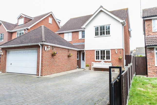Thumbnail Detached house for sale in Appletree Crescent, Doddinghurst, Brentwood