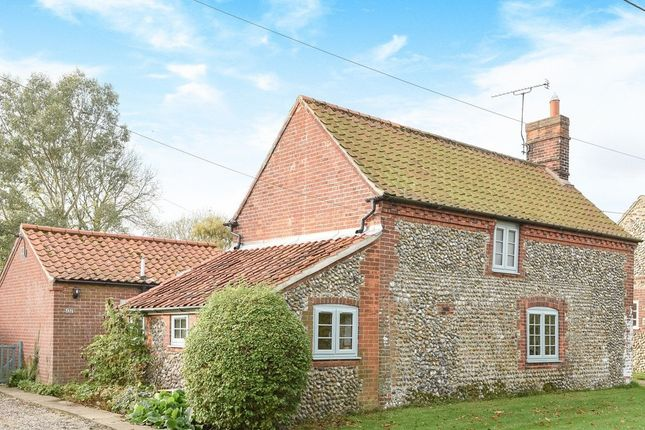 Thumbnail Cottage for sale in Holt Road, Field Dalling, Holt