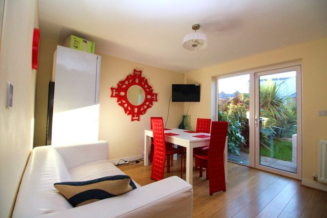 Thumbnail Room to rent in Adams Drive, Willesborough, Ashford