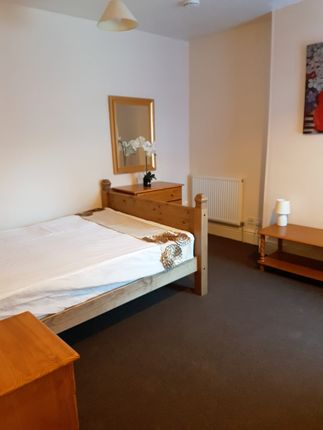 Thumbnail Room to rent in Calais Road, Burton On Trent