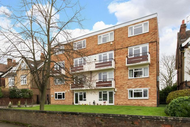 Thumbnail Flat to rent in The Orchard, Blackheath