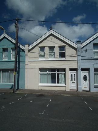 Thumbnail Terraced house to rent in Queens Drive East, Ramsey, Isle Of Man