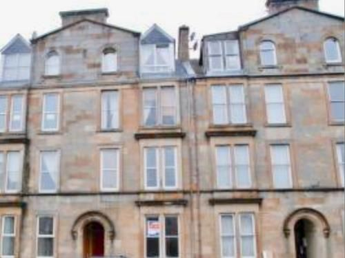 Thumbnail Flat to rent in George Square, Greenock