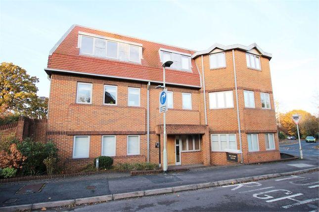 Thumbnail Flat to rent in Mulberry House, Osborne Road, Wokingham, Berkshire