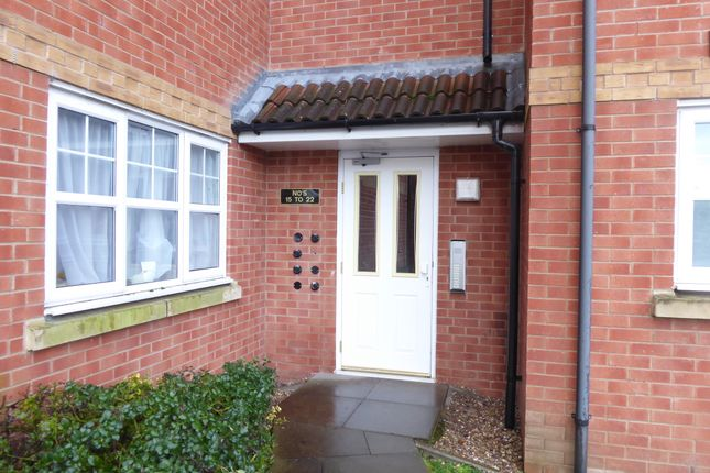 2 bed flat to rent in Design Close, Breme Park, Aston Fields, Bromsgrove B60
