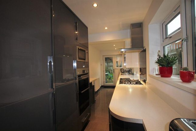 Thumbnail End terrace house to rent in St Marys Road, Watford