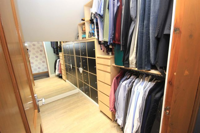 Walk-In Wardrobe of Bawtry Road, Bessacarr, Doncaster DN4