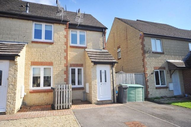Room to rent in Kemble Drive, Cirencester GL7