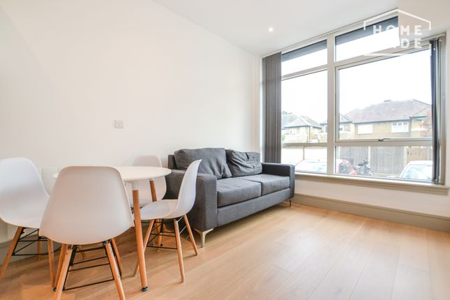 2 bed flat to rent in Broad House, Harrow HA2