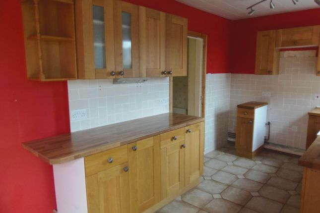 Thumbnail Terraced house to rent in Walnut Avenue, Auckley, Doncaster
