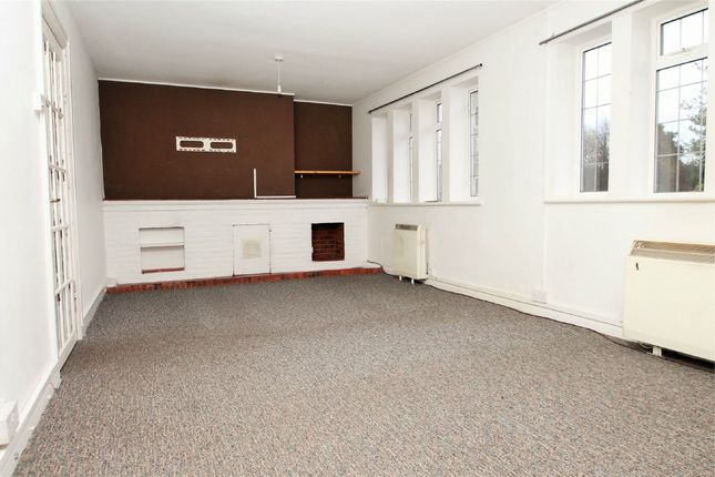 Thumbnail Flat to rent in Hillingdon Hill, Uxbridge, Middlesex