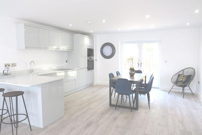 Thumbnail Flat for sale in Regent Court, Bawtry, Doncaster
