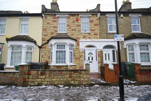 Thumbnail Terraced house for sale in Kenilworth Avenue, London