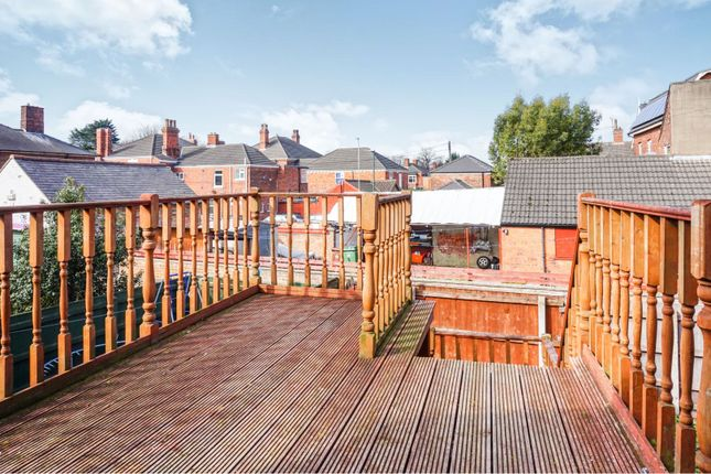 Thumbnail Flat for sale in 94 Cartergate, Grimsby