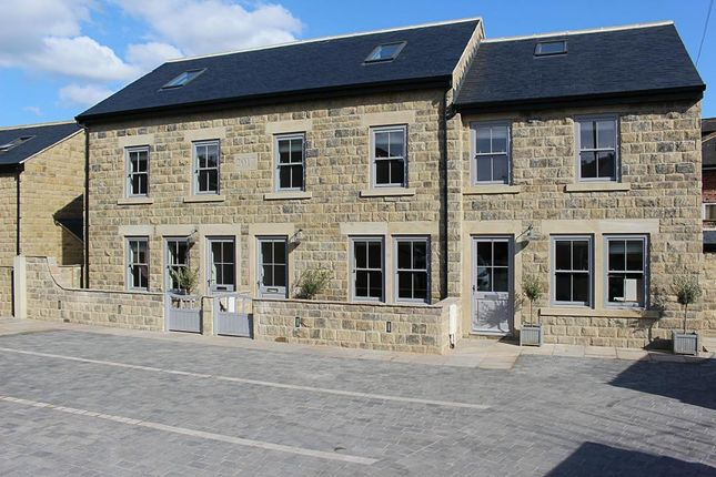 Thumbnail Terraced house to rent in Devonshire Yard, Harrogate