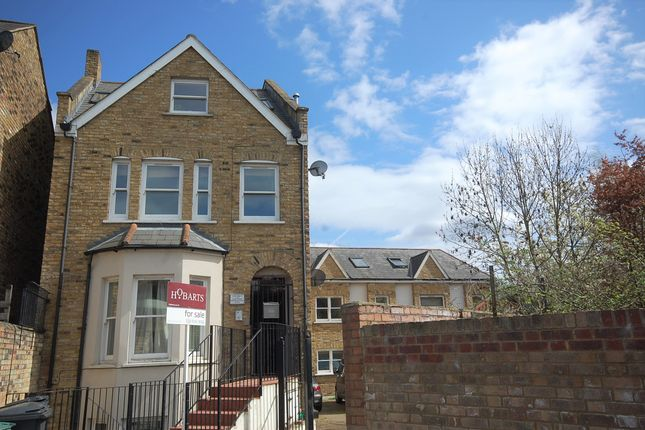 4 bed flat for sale in Beatrice Road, London N4