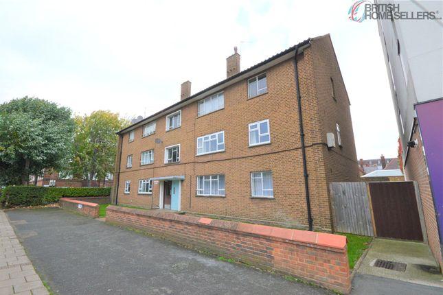 3 bed flat for sale in Garratt Lane, London SW17