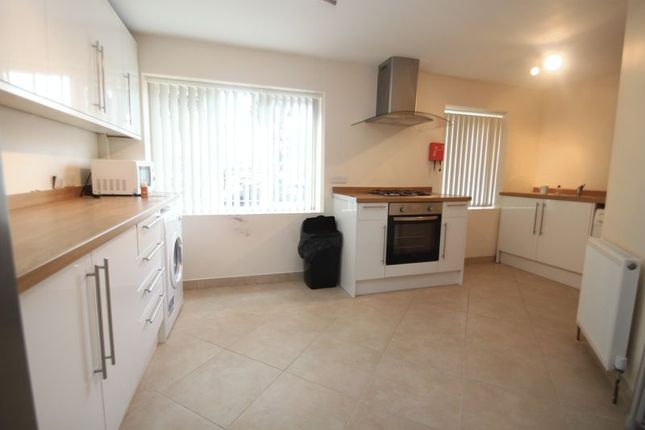 Thumbnail Property to rent in Holdenhurst Road, Bournemouth