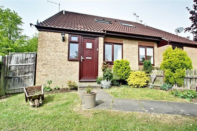 Thumbnail Terraced house to rent in Lancaster Way, Abbots Langley
