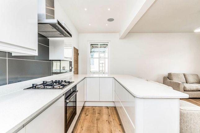 Thumbnail Flat for sale in Medina Villas, Hove