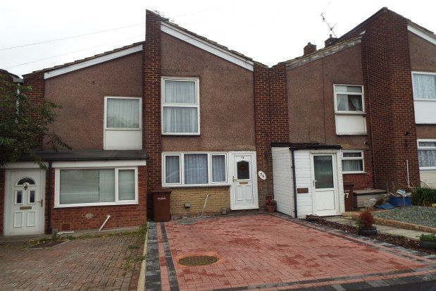 2 bed terraced house to rent in Seagull Road, Rochester ME2