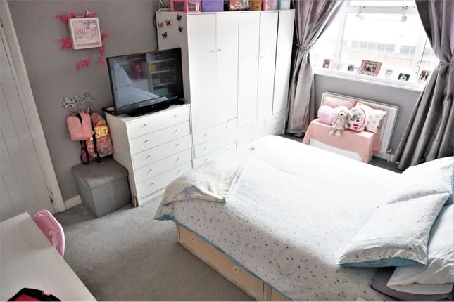 Bedroom of Russell Close, Bexleyheath DA7