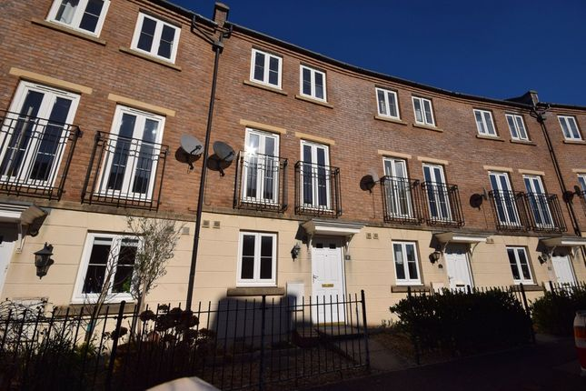 Thumbnail Town house to rent in Fleming Way, St Leonards, Exeter