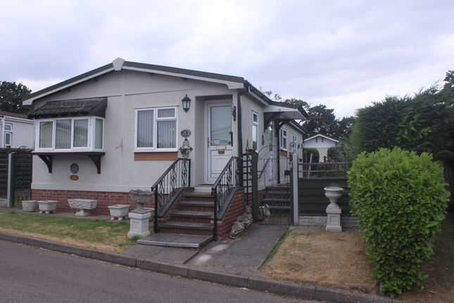 Thumbnail Mobile/park home for sale in The Laurels, Wythall, Birmingham