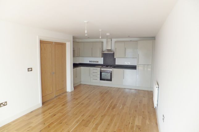 Thumbnail Flat to rent in Polo Court Swan Street, Petersfield