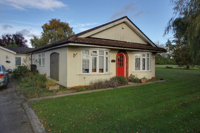 Thumbnail Detached bungalow for sale in Potter Hill Road, Newark, Nottinghamshire