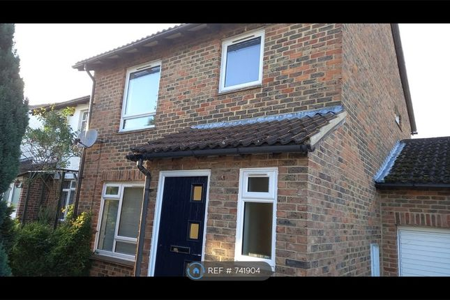Thumbnail Detached house to rent in Hatfield Court, Calcot, Reading