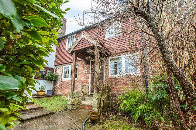 Thumbnail Terraced house for sale in Mount Pleasant, Crowborough