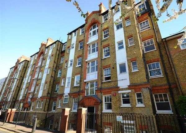 Thumbnail Flat to rent in Chiswick Road, London