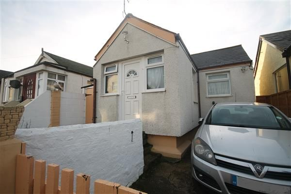 Thumbnail Bungalow for sale in Riley Avenue, Jaywick, Clacton-On-Sea