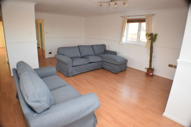 Living Room of Drakes Close, Bridgwater TA6