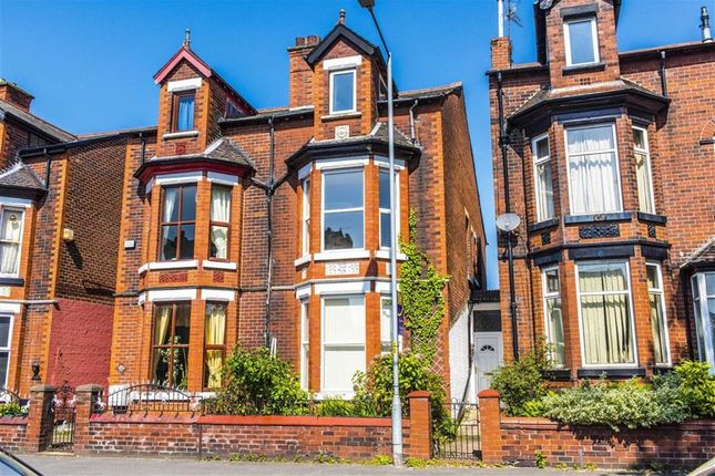 Town house for sale in The Avenue, Leigh, Lancashire