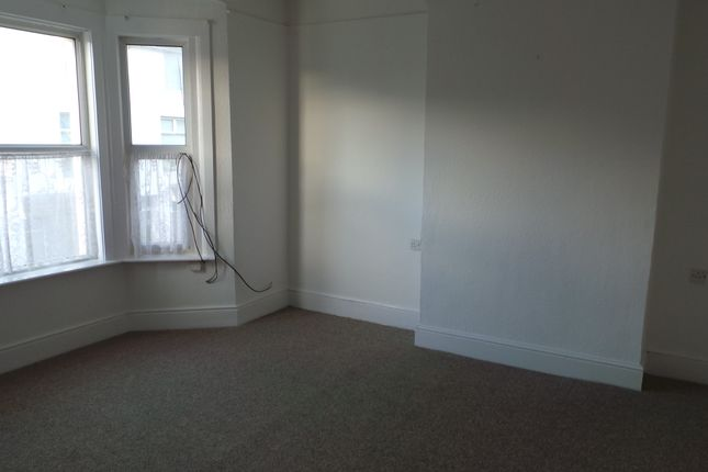 2 bed maisonette to rent in South Road, Newhaven BN9
