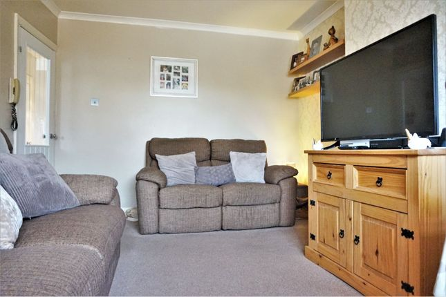 Living Room of Russell Close, Bexleyheath DA7