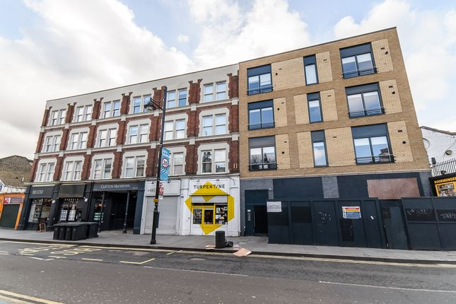 3 bed flat to rent in Coldharbour Lane, London
