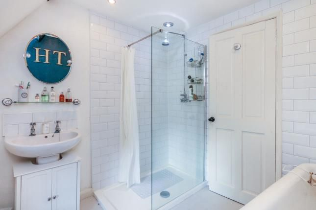 Bathroom of Bell End, Wollaston, Northamptonshire, England NN29