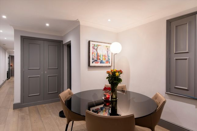 Image of Redcliffe Square, Chelsea, London SW10