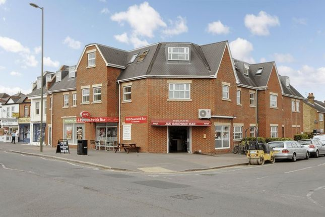 1 bed flat to rent in Terrace Road, Walton-On-Thames