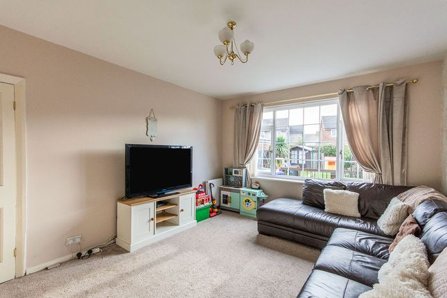 Photography of Clovelly Road, Edenthorpe, Doncaster, South Yorkshire DN3