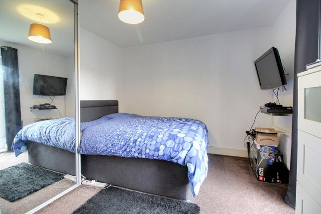 Room 4 of Hewlett House, Honington Mews, Farnborough, Hampshire GU14