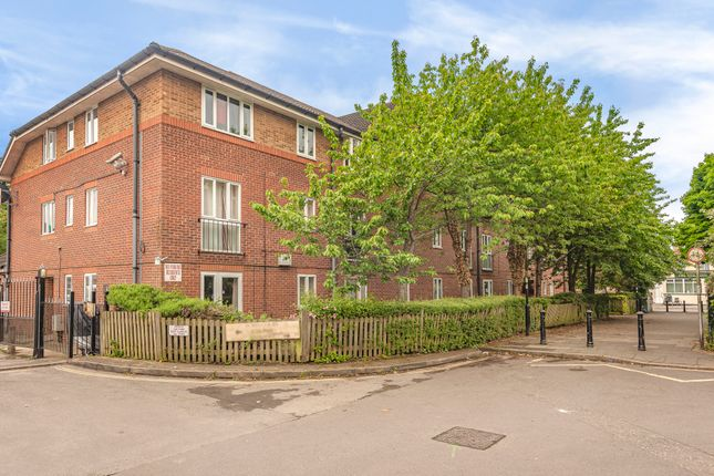 Thumbnail Flat for sale in Foyes Court, Shirley, Southampton, Hampshire