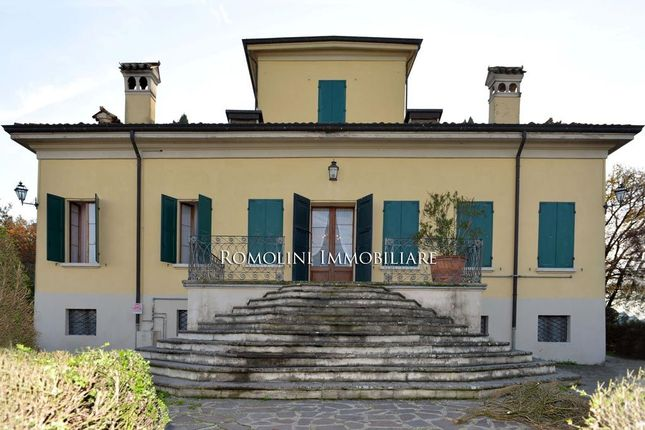 4 bed villa for sale in Reggio Emilia, Emilia-Romagna, Italy