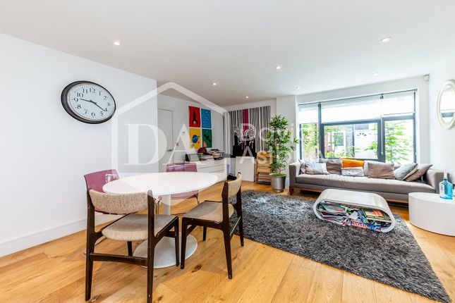 Thumbnail Flat to rent in Omega Terrace, High Road, Wood Green London