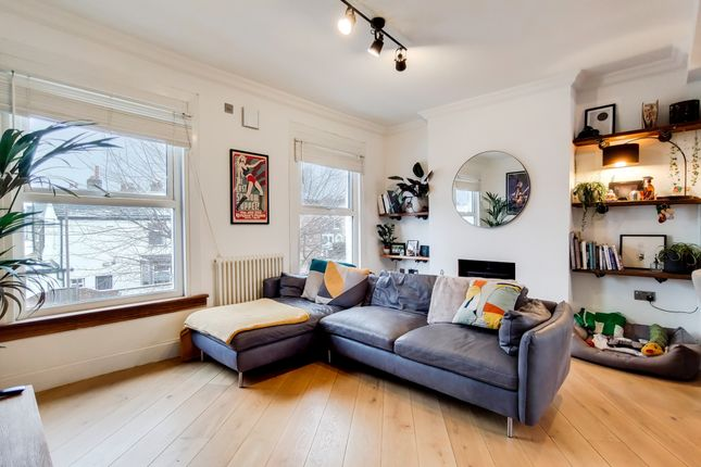 1 bed flat for sale in Lulworth Road, Nunhead, London SE15